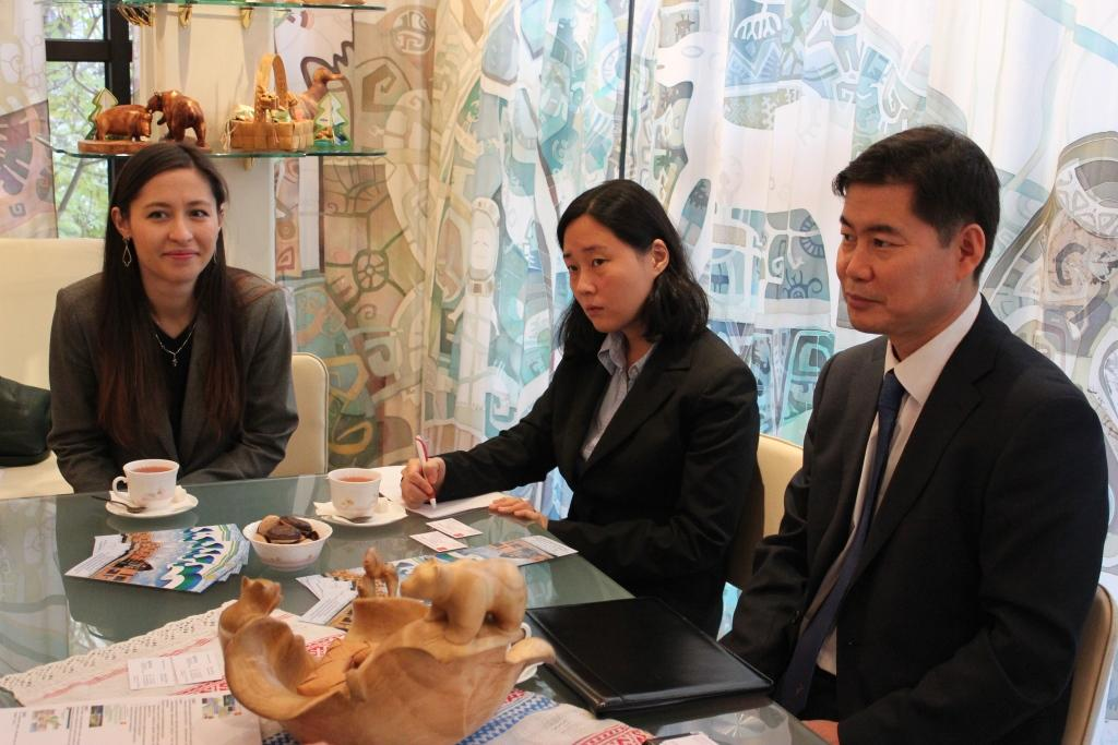 Ли Сок-Хо на встрече с Представителем Республики Коми Валерием Кюршиным
