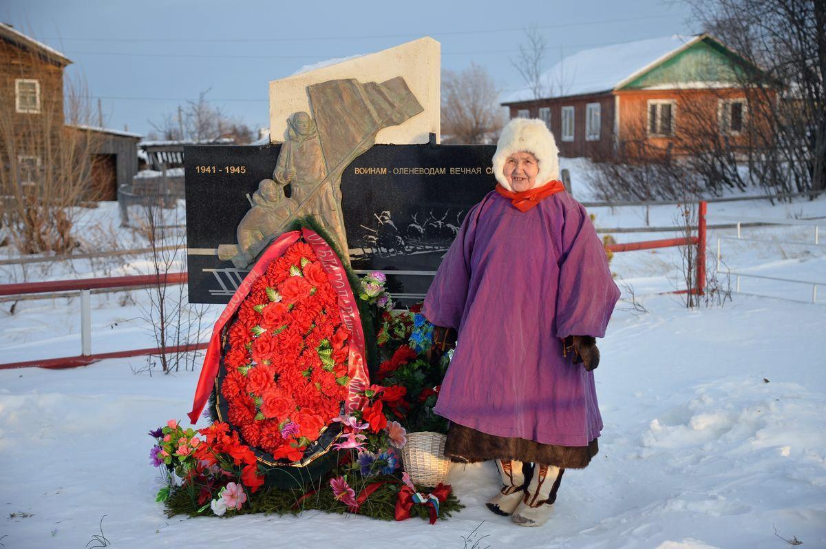 Памятник воинам-оленеводам