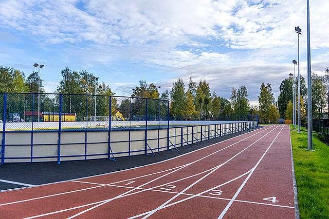 Стадион в Верхней Максаковке