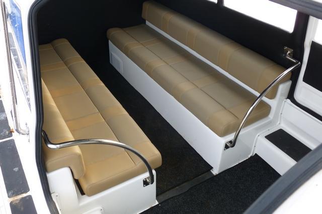 Места для пассажиров в катере на воздушной подушке